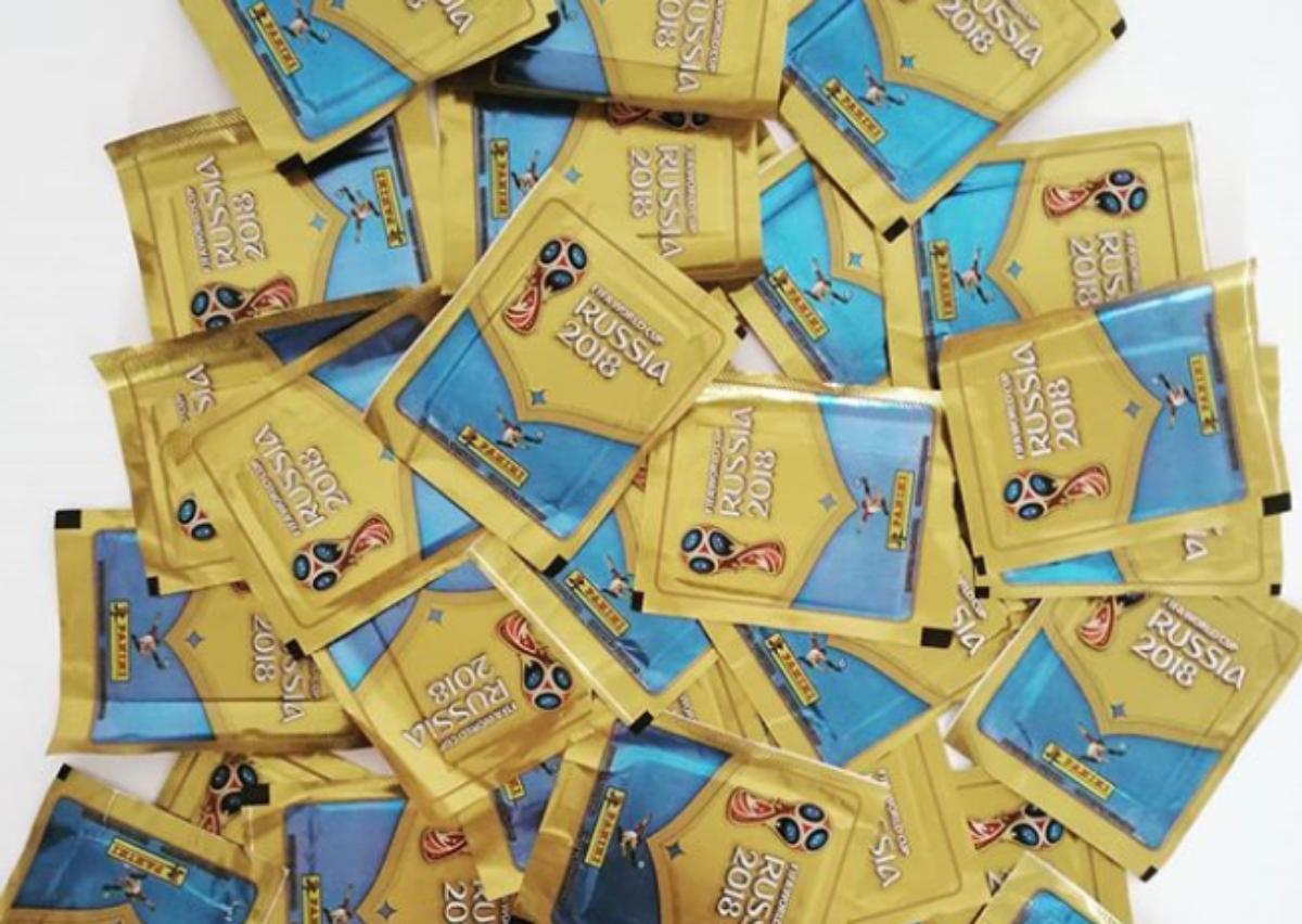 En Argentina y Uruguay hay pasión por las figuritas del álbum oficial de la Copa de Fútbol
